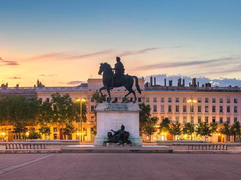 Place Belle Cour